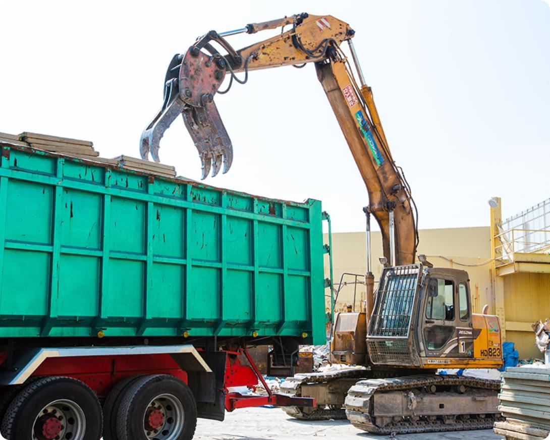 あらゆる建設廃棄物の⼤容量積替保管施設